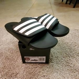 🆕️ ADIDAS MENS SLIPPERS